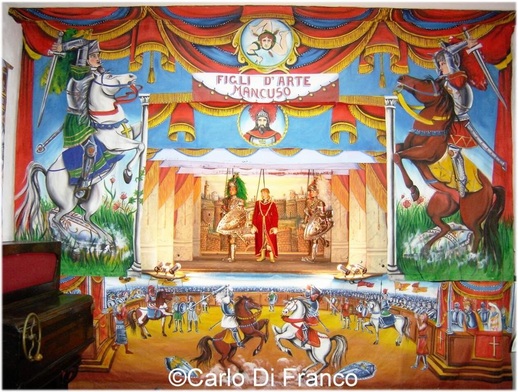 Scenografia del Teatrino Carlo Magno